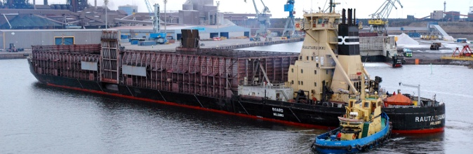 Pusher Rautaruukki and 14,000 dwt barge Board